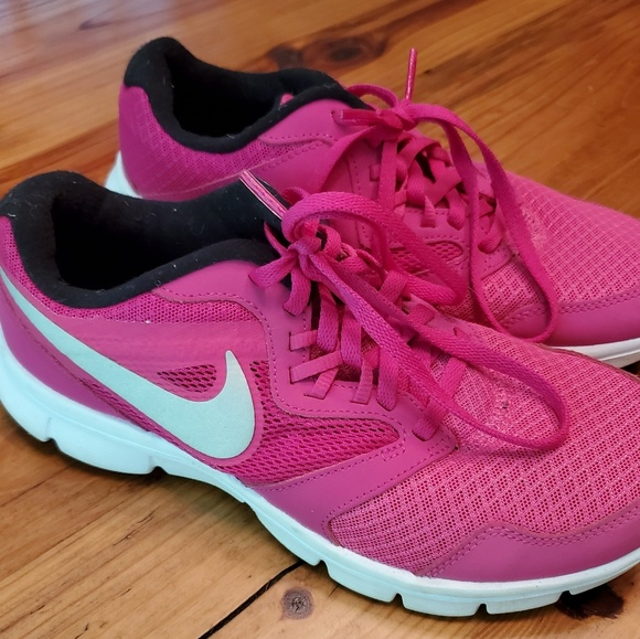 Nike Shoes - Womans Nike Sneakers